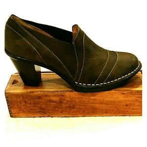 SOFFT Leather brown booties heels loafers 7.5